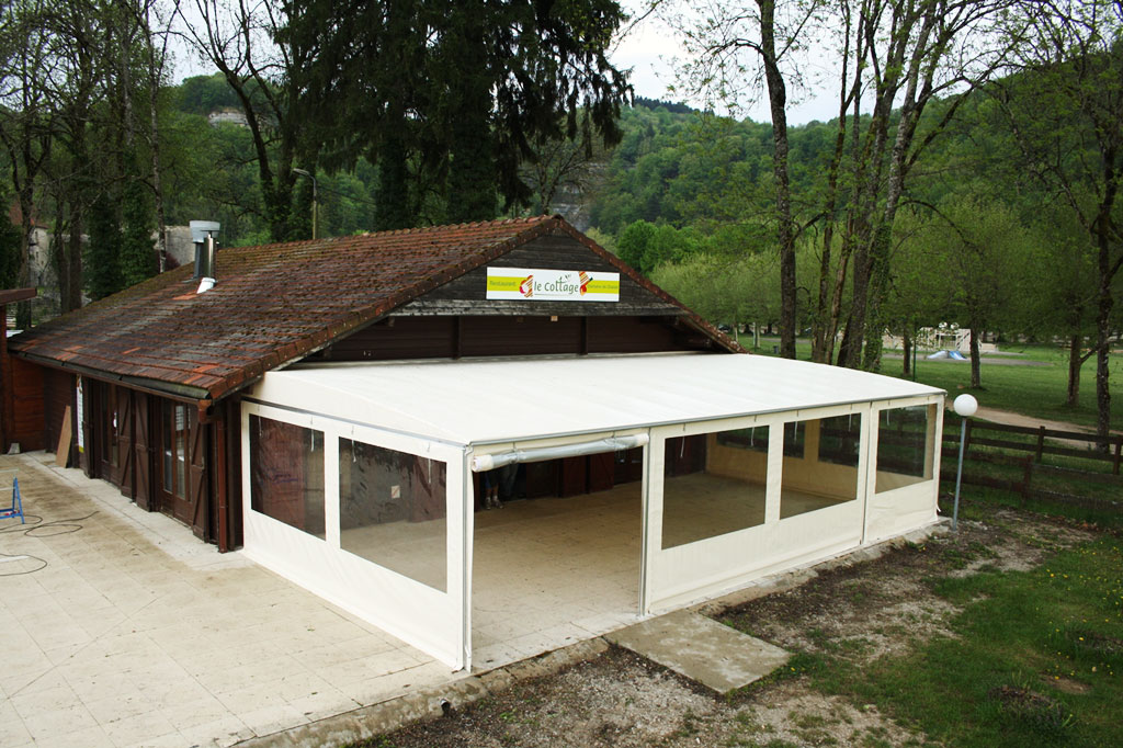 Crealu design pergolas et abris cr ations sur mesure for Bar de terrasse exterieur