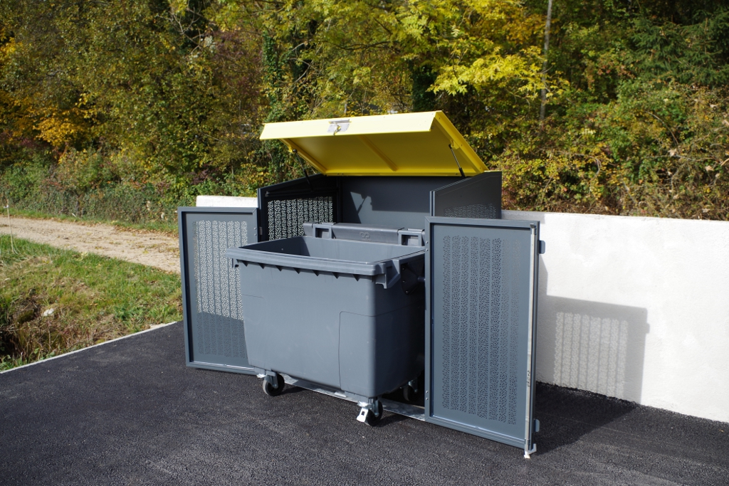 cache poubelle design simple pallete plans sheds cabins playhouses pallets modern pallets trash. Black Bedroom Furniture Sets. Home Design Ideas